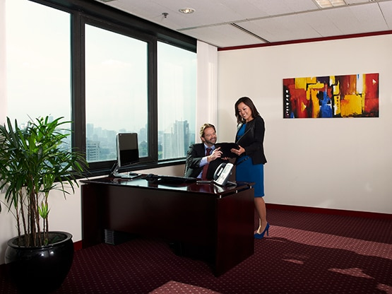 office-client-six-battery-road-singapore-555x416.png