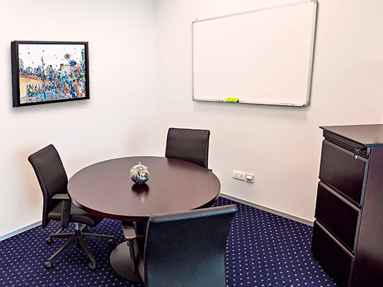 meeting-room-capitagreen-singapore-555x416.png