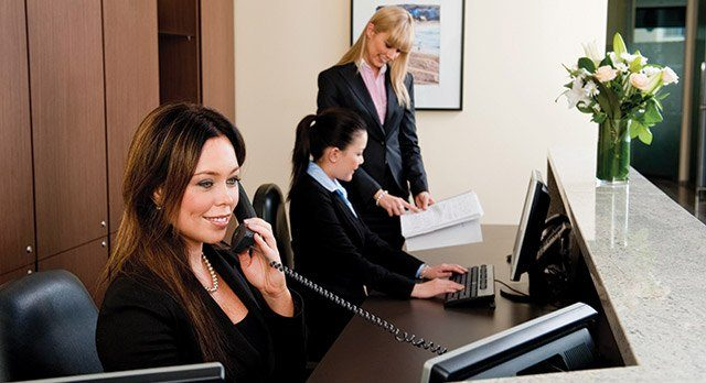 servcorp-westfield-bondi-junction-receptionist-1.jpg